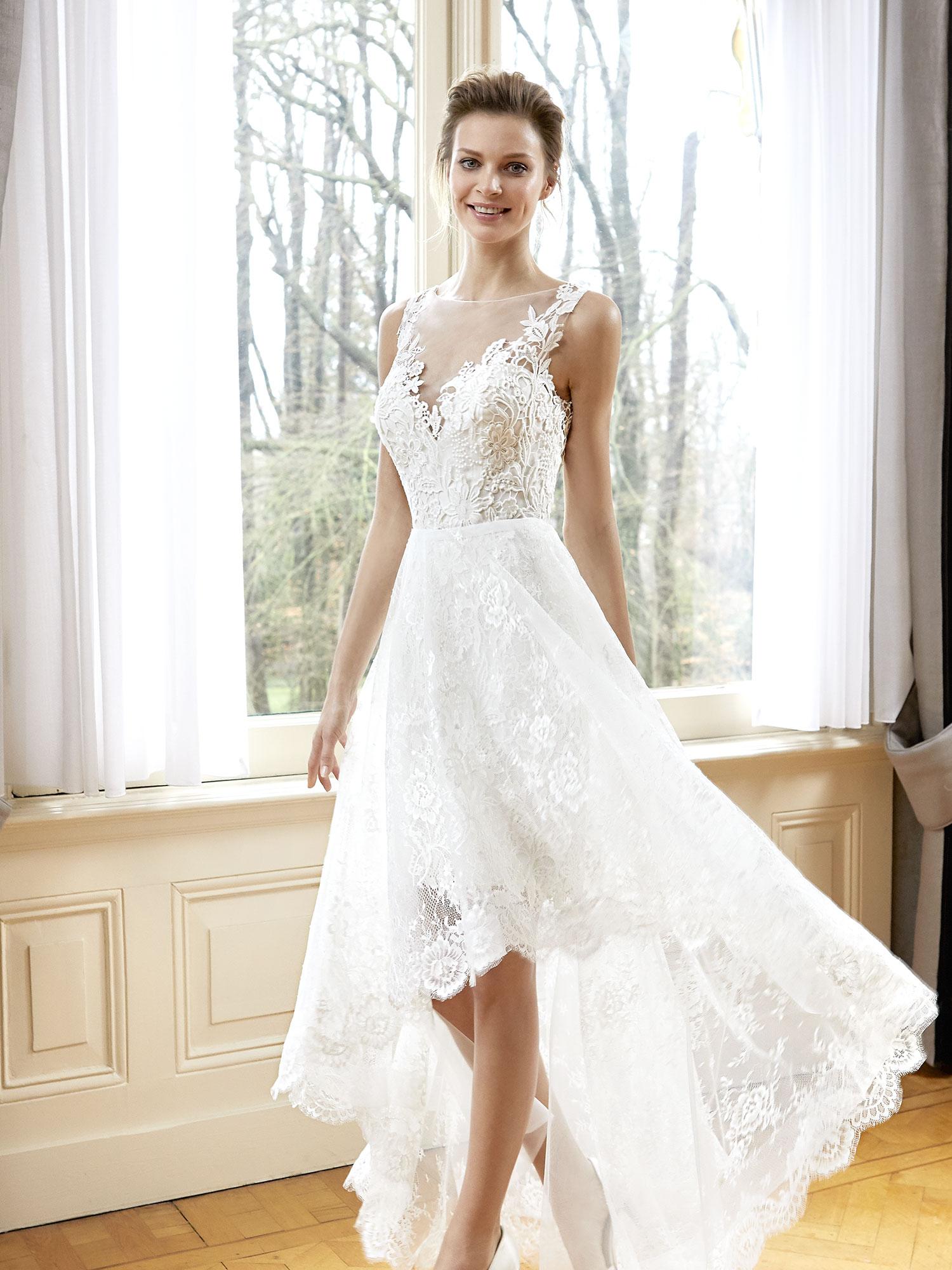 Asymmetrical lace wedding dress robe de mariee vocabulary english